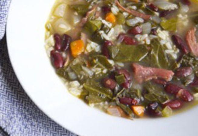 Supa cu varza si curcan afumat