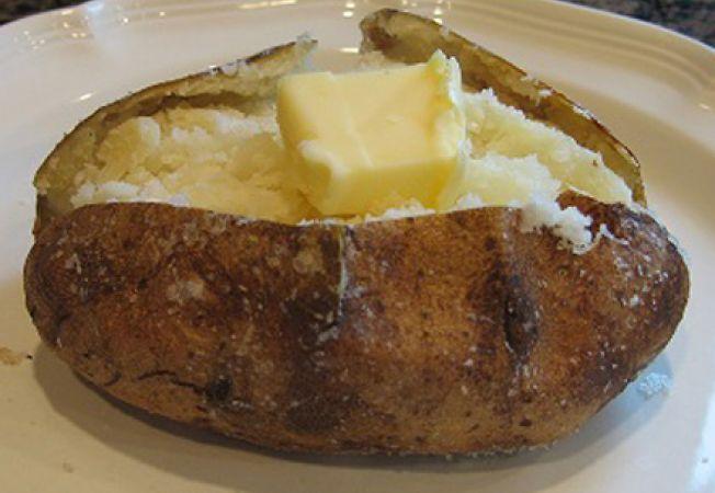 Cum sa faci cartofi copti deliciosi cu zeama de varza