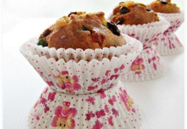 Muffins cu fructe de padure si ciocolata