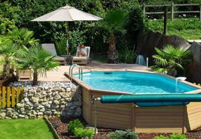 Cum amenajezi spatiul din jurul piscinei