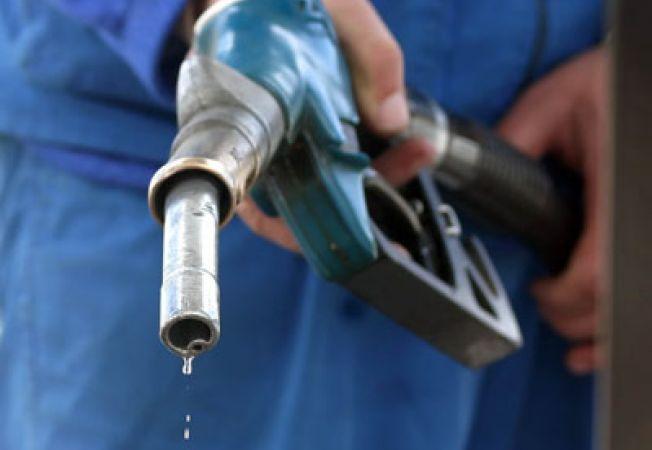 Rompetrol a scumpit din nou benzina