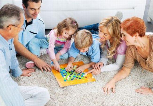 Jocuri si activitati distractive pentru copil in zile ploioase