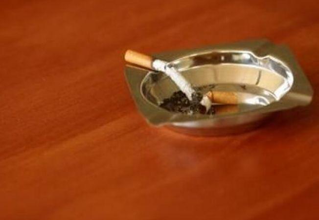 Cum elimini mirosul persistent de tigara