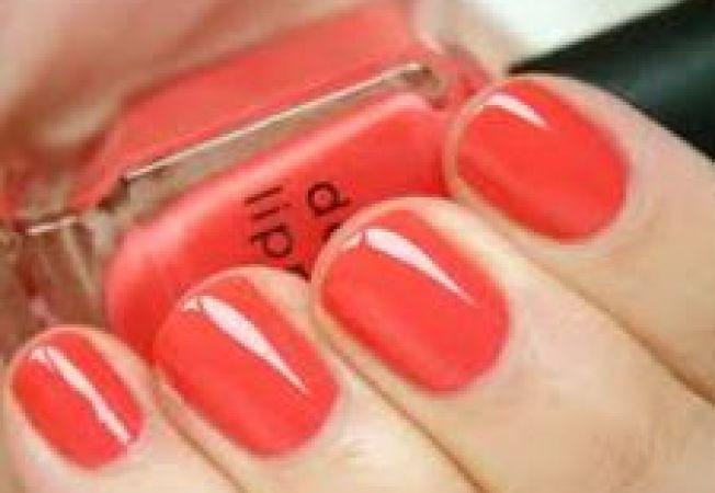 5 nuante de unghii trendy in vara 2012