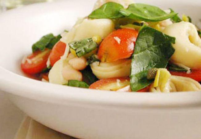 Salata cu paste si ardei