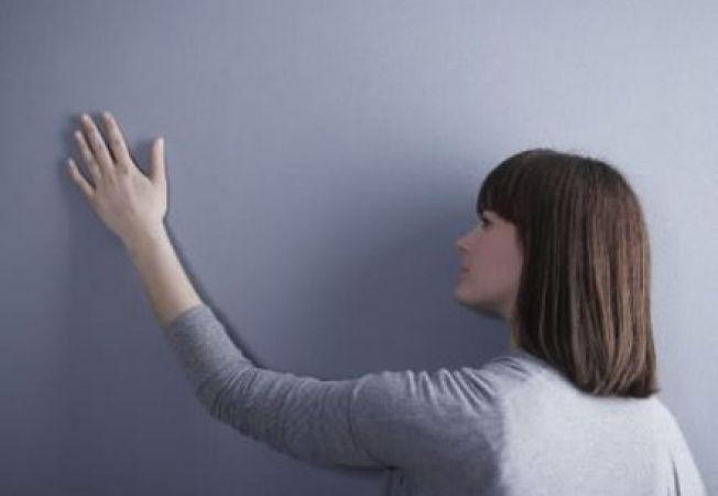 Cum remediezi problema peretilor umezi ai casei