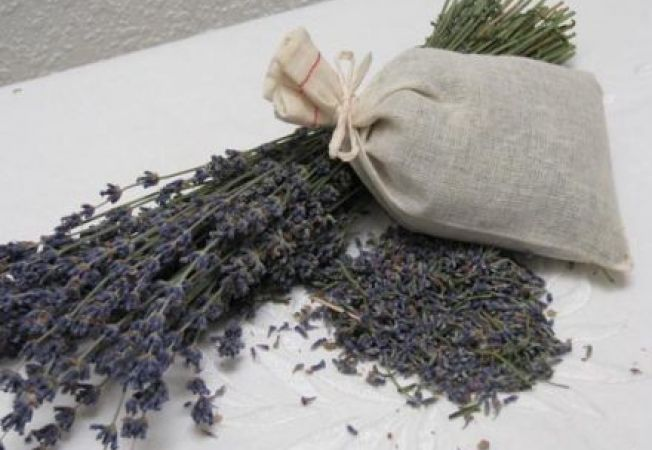 Cum sa iti parfumezi casa in mod natural