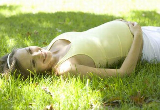 Trucuri pentru a face fata caniculei in sarcina