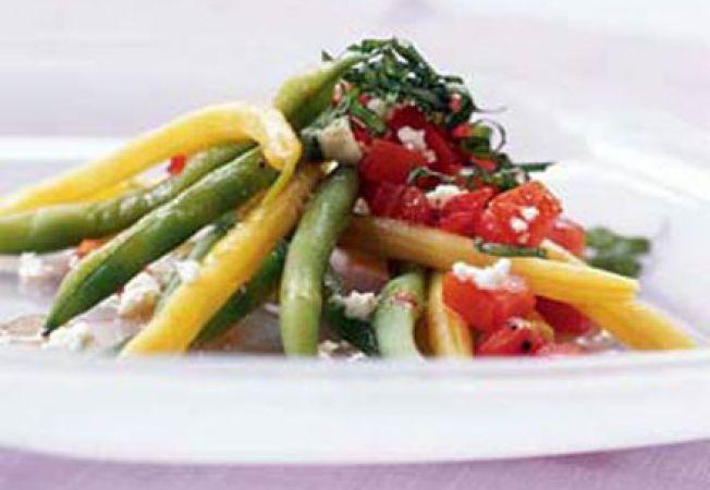 Salata de fasole verde, cu rosii si branza feta