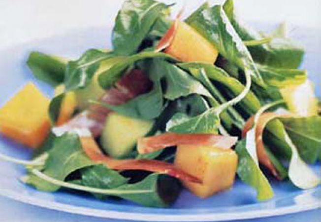 Salata cu pepene galben si rucola