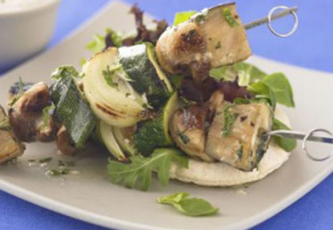 Kebab de legume cu pesto