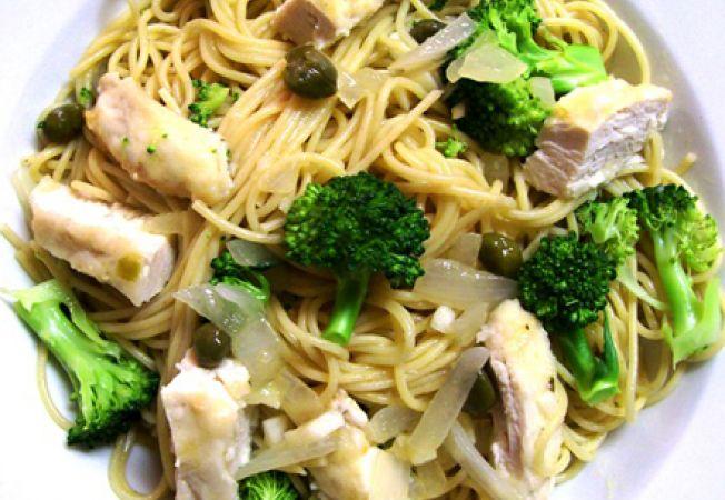 Paste cu pui si broccoli