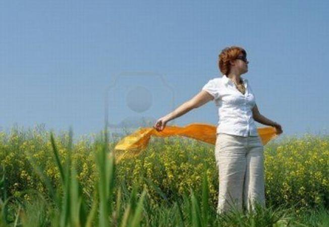 Esarfa pe timpul verii: in cate moduri o poti purta