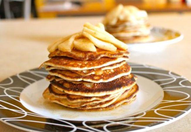 Pancakes cu mere si scortisoara