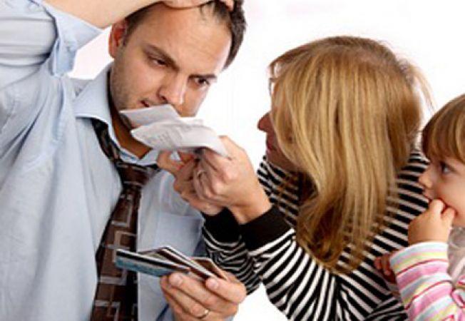 Discutiile cu prietenii si familia despre bani