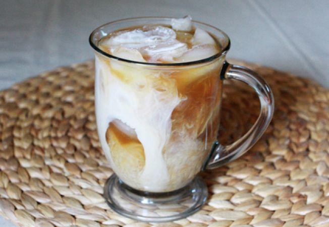 http://scms.machteamsoft.ro/uploads/photos/652x450/652x450_095246-cum-sa-faci-cea-mai-buna-cafea-cu-gheata.jpg