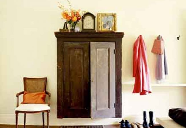 Cum compartimentezi dulapul in holul de la intrare