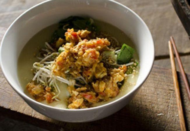 Supa de pui, tofu si taitei