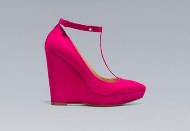 5 pantofi cu platforma ideali pentru toamna 2012