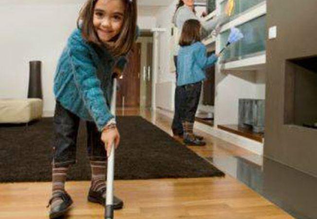 Top produse de curatat in casa cand ai copii
