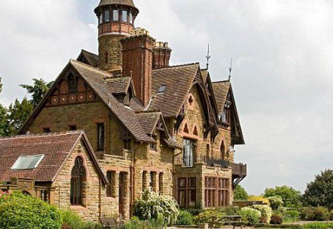 Case-castel pe care le poti testa inainte de a le cumpara