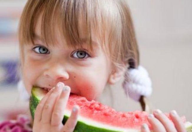 Innebunit dupa dulciuri si snacksuri? Incurajeaza-ti copilul sa manance sanatos!