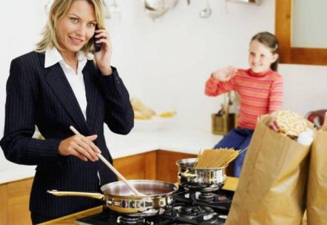 Alimente sanatoase pentru mamici ocupate: ce mananci pentru a avea energie