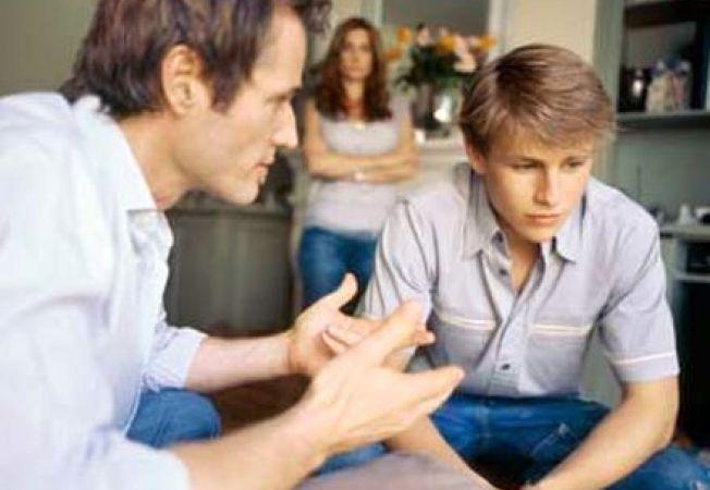 Adolescentul si atractia tigarii: cum vorbesti cu copilul tau despre fumat