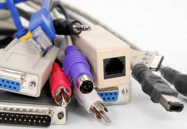 Metode eficiente de a organiza cablurile din locuinta