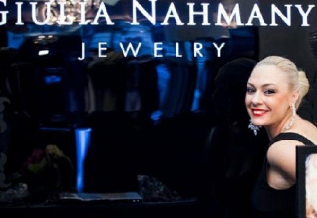 ADVERTORIAL: Giulia Nahmany lanseaza de sarbatori noua colectie BASIC DIAMONDS si parfumul GOLD PERF