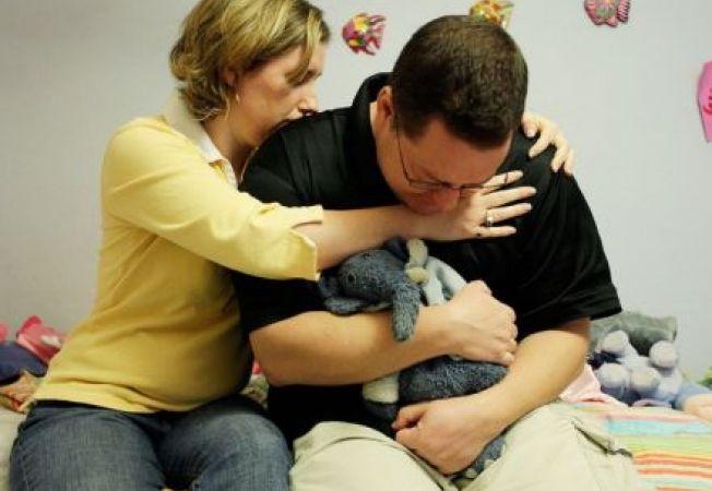 Suferinta de a pierde un copil: ce e bine sa spui si ce nu familiei indurerate?