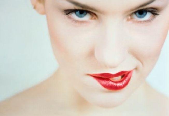Buze perfecte de Sfantul Valentin: sfaturi pentru saruturi catifelate