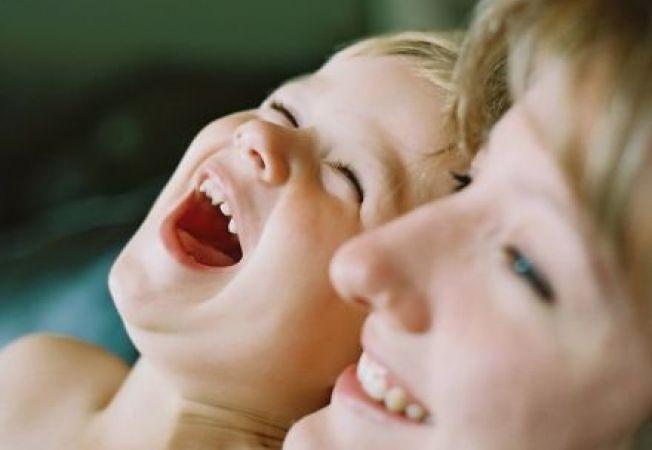 Copilul laudat pentru efortul depus se descurca mai bine in viata
