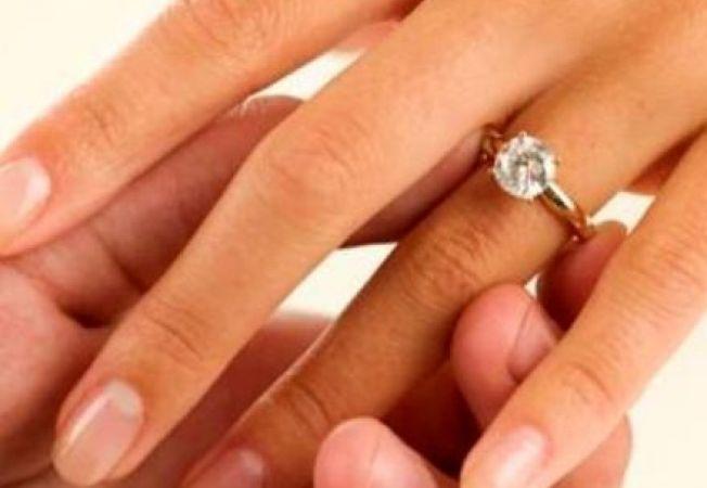 5 lucruri pe care ar trebui sa le stii inainte de a cumpara inelul de logodna