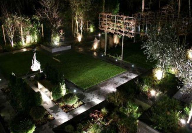 4 idei pentru un iluminat modern de gradina