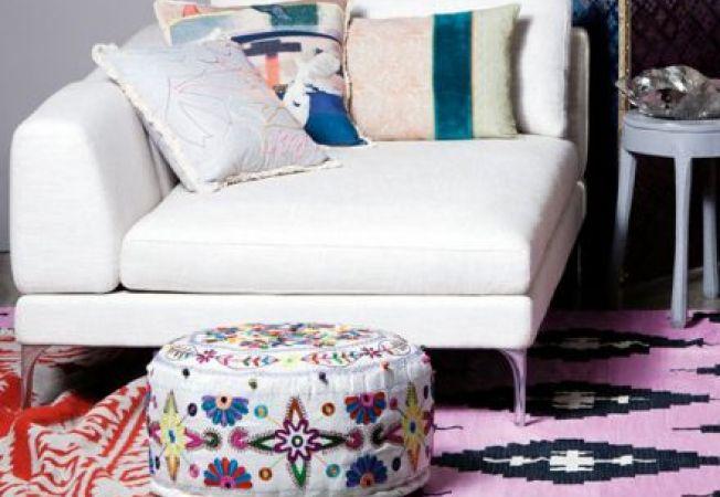 4 moduri de a decora sufrageria cu ajutorul unei canapele