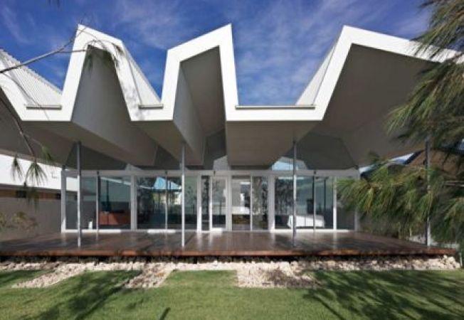 Casa: 4 case de vacanta pe plaja absolut superbe