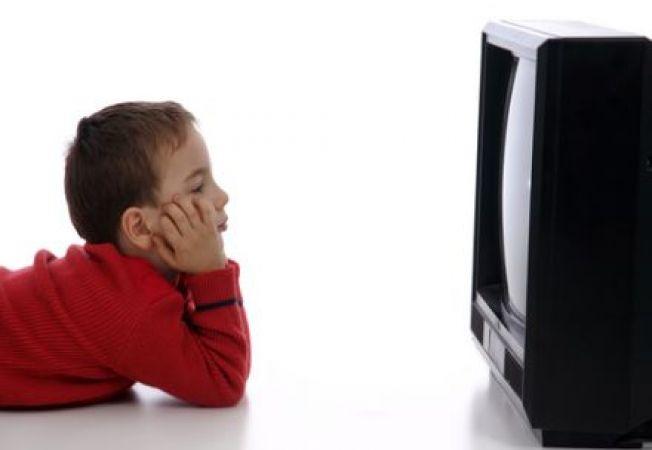 Ai grija ce vede si ce aude copilul tau la televizor!