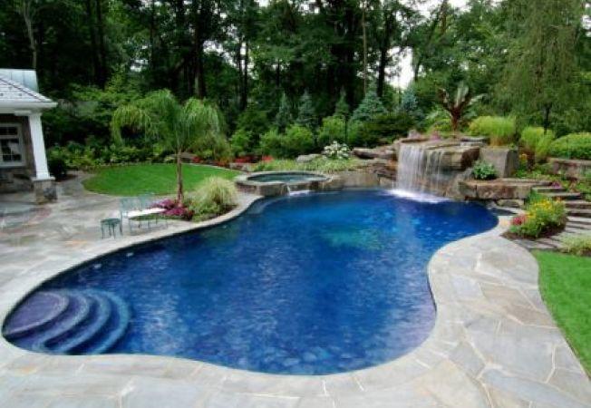 Ponturi pentru amenajarea unei piscine perfecte in curtea casei tale