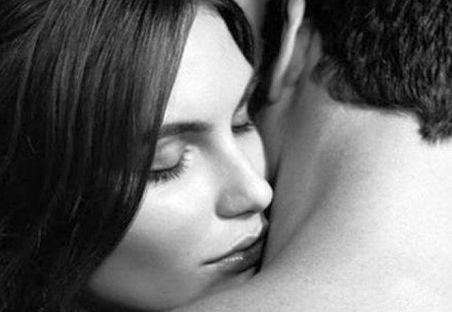 Femeile sunt atrase de mirosul barbatilor cu nivel mare de testosteron