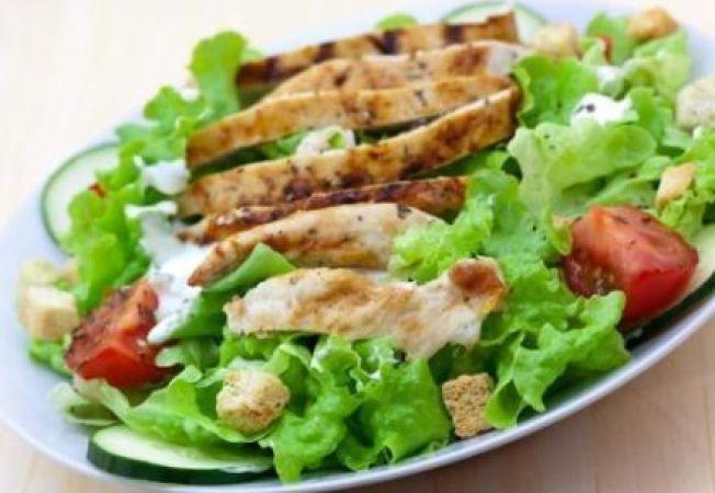Salata perfecta: 6 pasi pentru a obtine rezultatul ideal