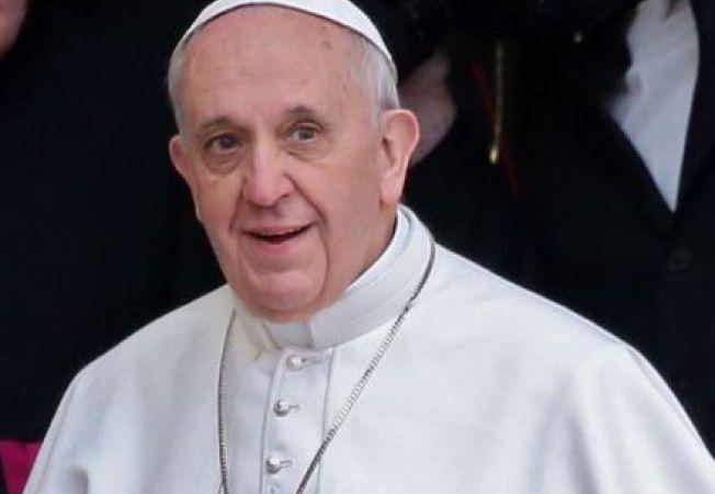 Papa le indeamna pe calugarite sa fie mame
