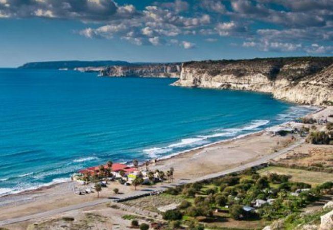 Plaje pentru relaxare si plaje pentru distractie in Cipru