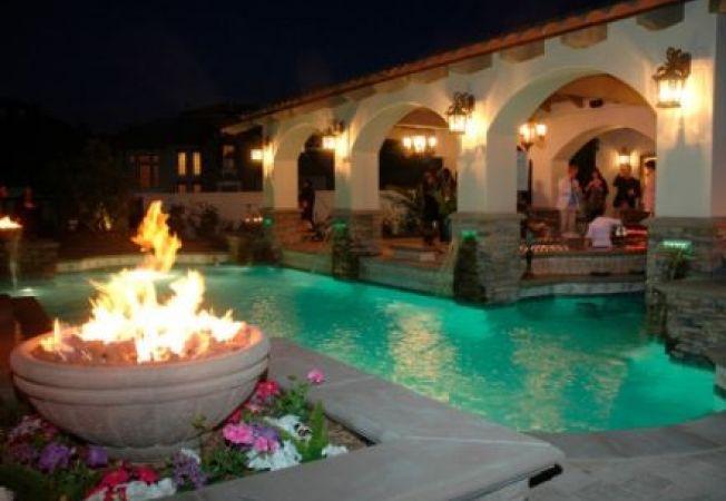5 moduri sa iti pui in valoare piscina