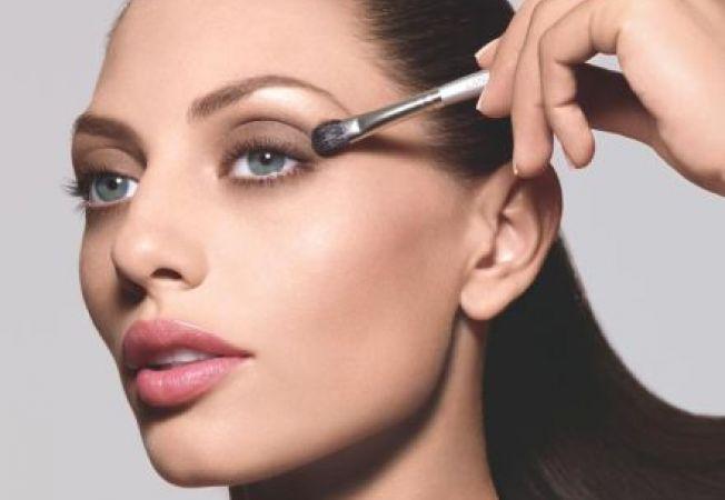 Calea spre perfectiune: 3 trucuri de makeup pentru a masca defectele