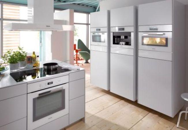 Electrocasnicele incorporabile secretul unei bucatarii - Cocinas con electrodomesticos blancos ...