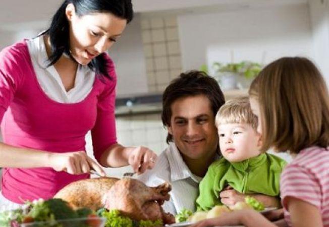 Cum sa previi obezitatea infantila: 4 trucuri pentru a gati sanatos