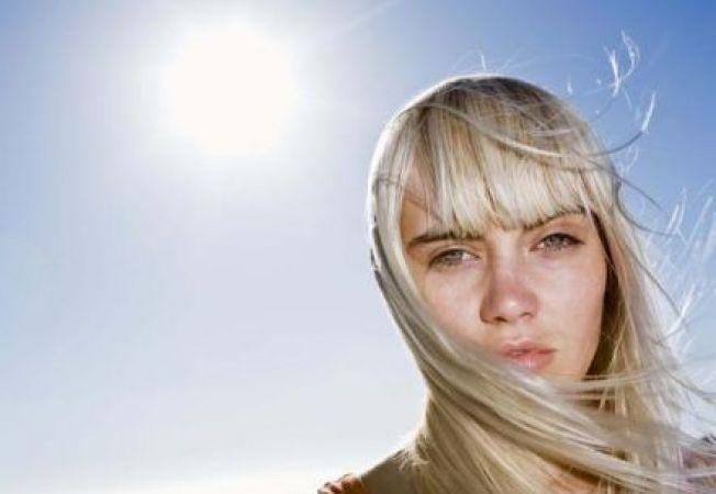 Protejeaza-ti culoarea parului de razele soarelui!
