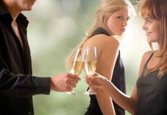 """3 tipuri de amante de care te-ai putea """"lovi"""" in casnicia ta"""