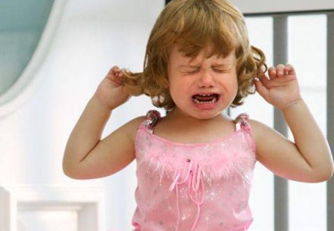 """4 moduri prin care """"imblanzesti"""" accesele de furie ale copilului tau"""